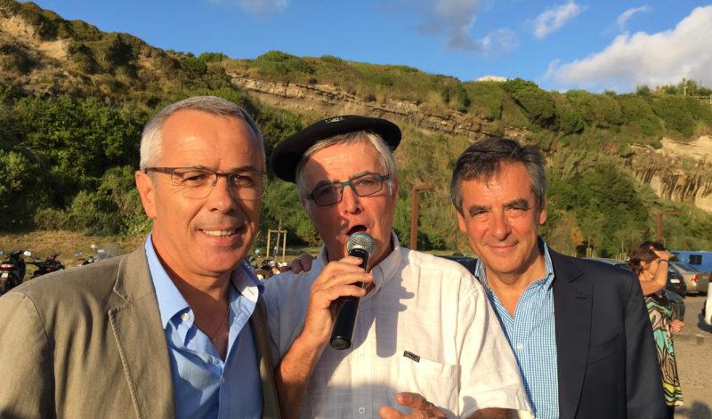 La surprise de la soirée : la venue de Claude OLIVE maire d'Anglet accompagné  de François FILLON...